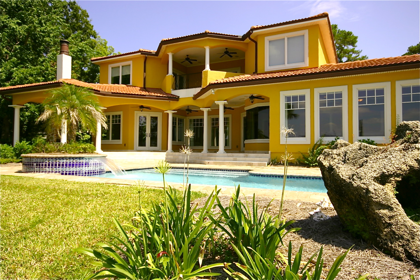 Bank owned waterfront homes in jacksonville fl the real for Big houses in florida